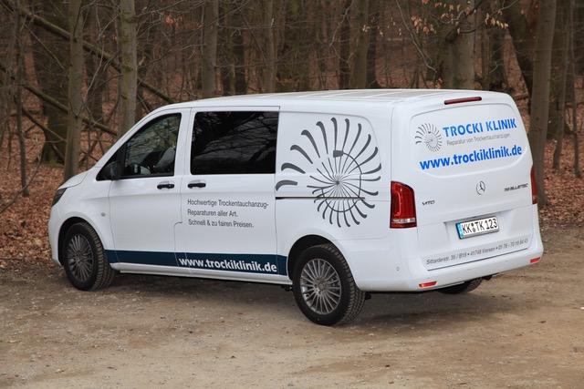 Trocki Klinik Tauchanzug Reparaturen Fahrzeug